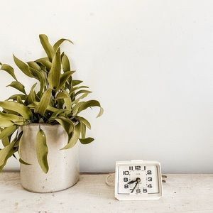 Small retro clock